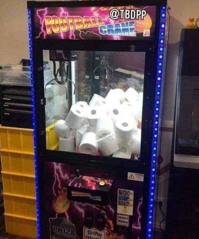 Coronavirus papel higiénico máquina